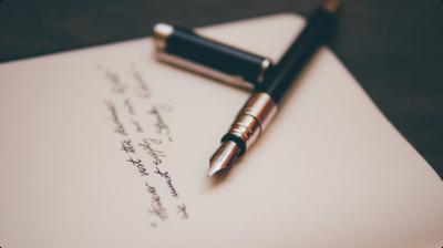 Papel escrito com caneta